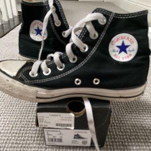 Black converse All Start size 5, kids